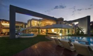 Glamourous House 01